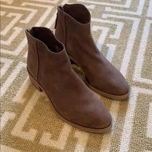 Dolce vita brown booties size 7